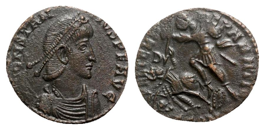 Ancient Coins - Constantius II (337-361). Æ - Arelate - R/ Soldier