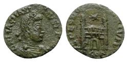 Ancient Coins - Magnus Maximus (383-388). Æ - Arelate - R/ Camp gate