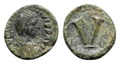 Ancient Coins - Justinian I (527-565). Æ 5 Nummi - Imitative (Sicilian?) mint