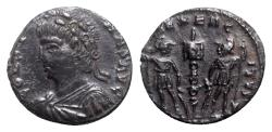 Ancient Coins - Constans (337-350). Æ - Heraclea(?) - R/ Soldiers
