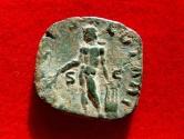 Ancient Coins - Roman Empire - Trebonianus Gallus (251-253 A.D.), bronze sestertius (13,90 g. 28 mm.) minted in Rome, 253 A.D. APOLL SALVTARI. Rare!