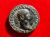 Ancient Coins - Roman Empire - Domitian (81 - 96 A.D.), bronze dupondius (12,80 grs. 28 mm), Rome mint, 85 A.D. FIDEI PVBLICAE.