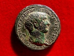 Ancient Coins - Roman Empire - Trajan (98-117) bronze dupondius (12,85 g. 28 mm). Rome A.D. 103-111. Trophy with shields
