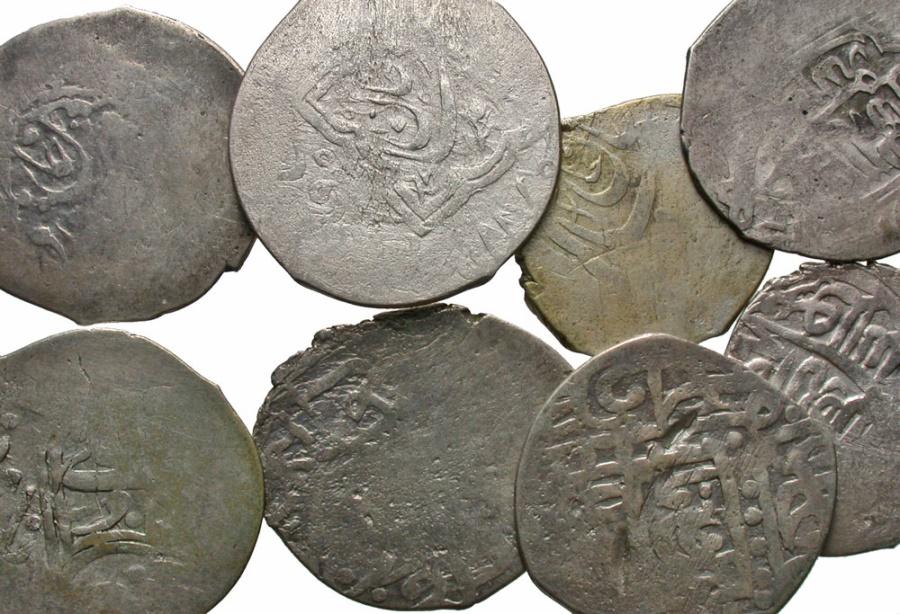 Ancient Coins - [Islamic]. Lot of eight AR tankas.