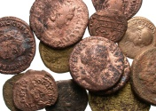 Ancient Coins - [Miscellaneous]. Lot of fifteen mixed Æ.